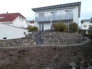 Neue Treppenanlage aus Kalkstein Olive Black